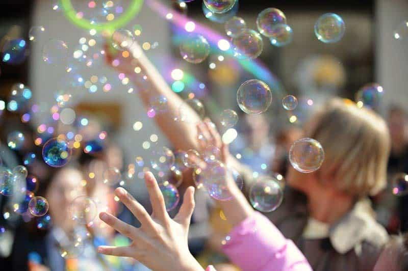 Как сделать мыльные пузыри в домашних условиях: 16 лучших рецептов раствора