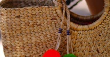 Поделка из помпонов для сумки