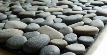 Коврик из камней