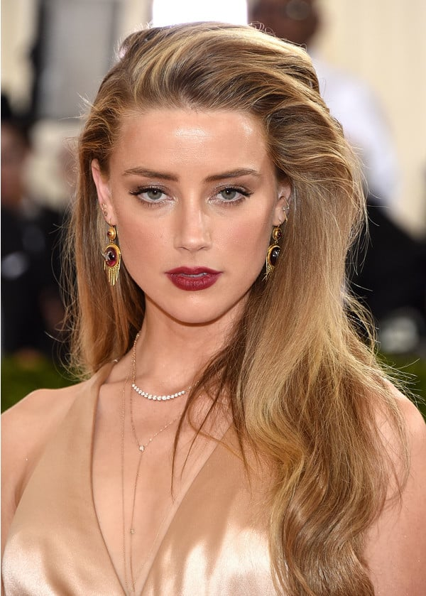 Какой цвет глаз и кожи подходит блондинкам