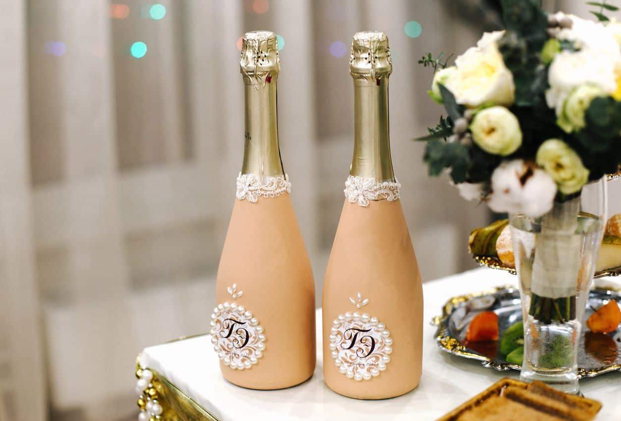 Дектор бутылок кружевом | Как украсить шампанское на свадьбу своими руками