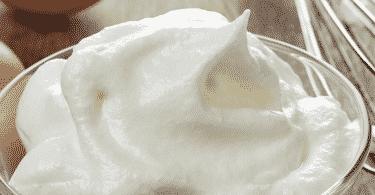 Как взбить белки в густую пену: миксером, вручную