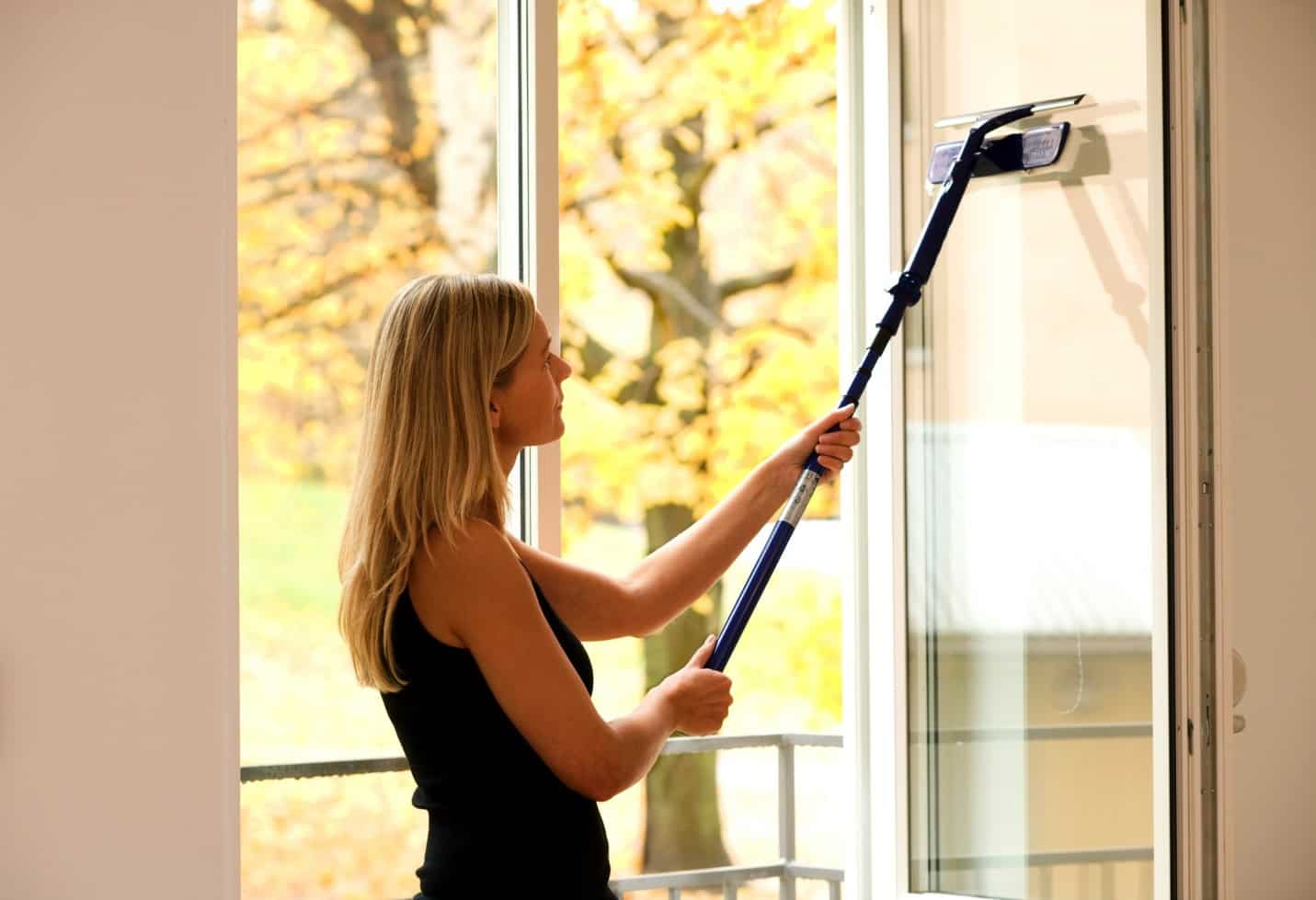 Когда лучше мыть окна | Как мыть окна шваброй для мытья окон