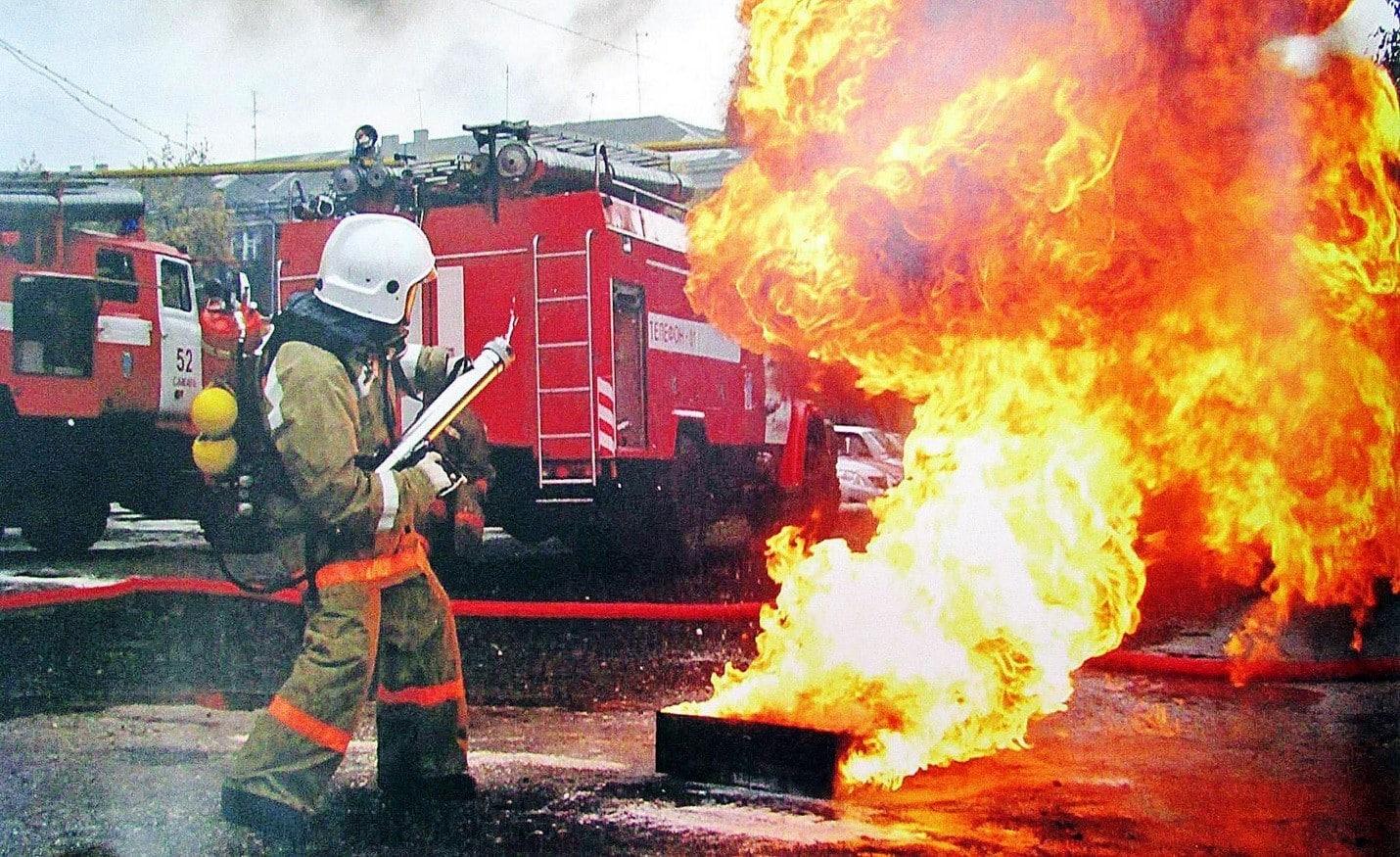 Какие сведения необходимо сообщать в пожарную охрану по телефону