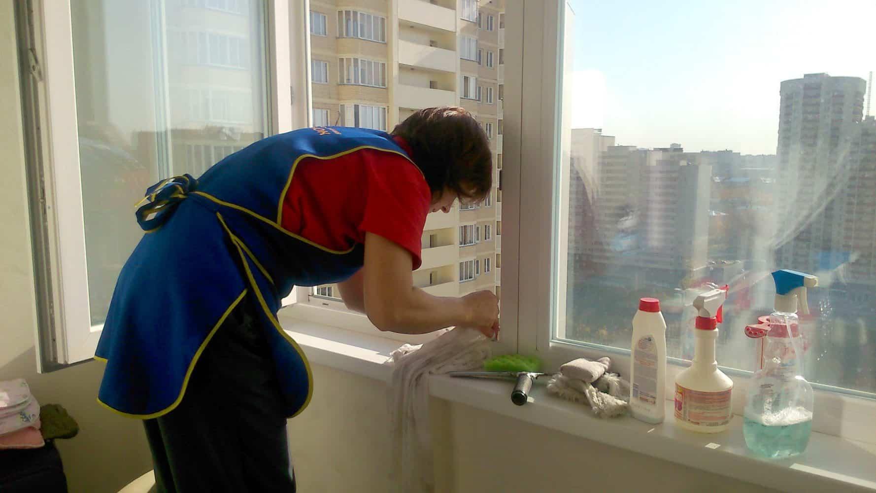 Подготовка перед мытьем окон | Как мыть окна шваброй для мытья окон