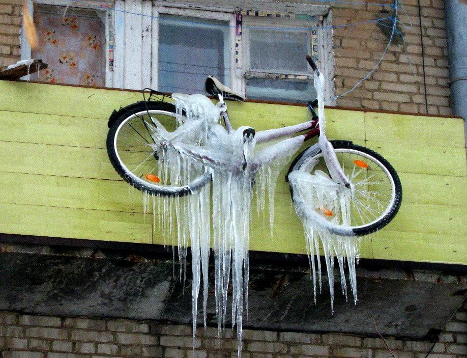 Плохие места для хранения велосипедов зимой | Как хранить велосипед зимой: на балконе, в гараже, в квартире