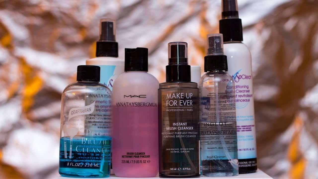 Средства для очистки кистей для макияжа | Как мыть кисти для макияжа в домашних условиях