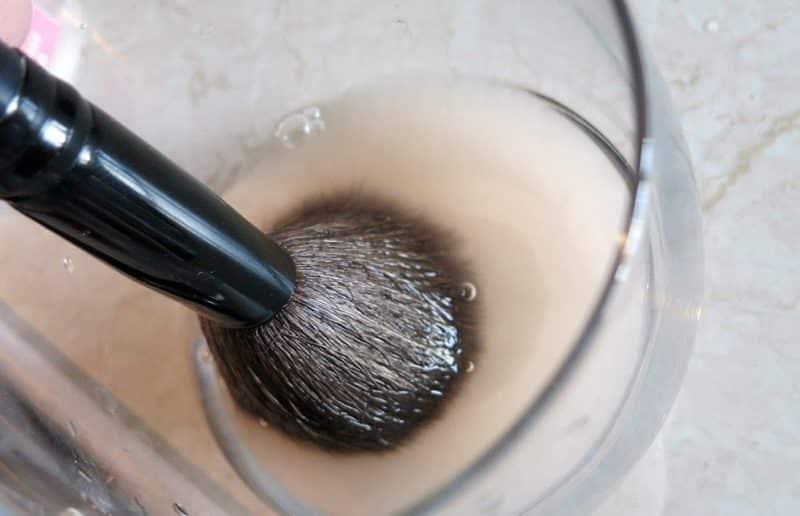 Очищение кистей для макияжа спиртом | Как мыть кисти для макияжа в домашних условиях