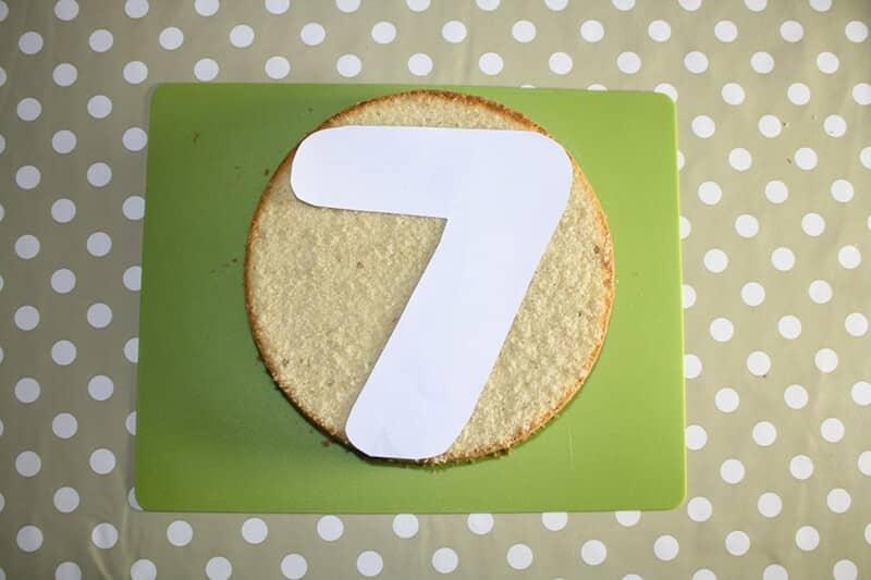 Как сделать цифру 7 из бисквита