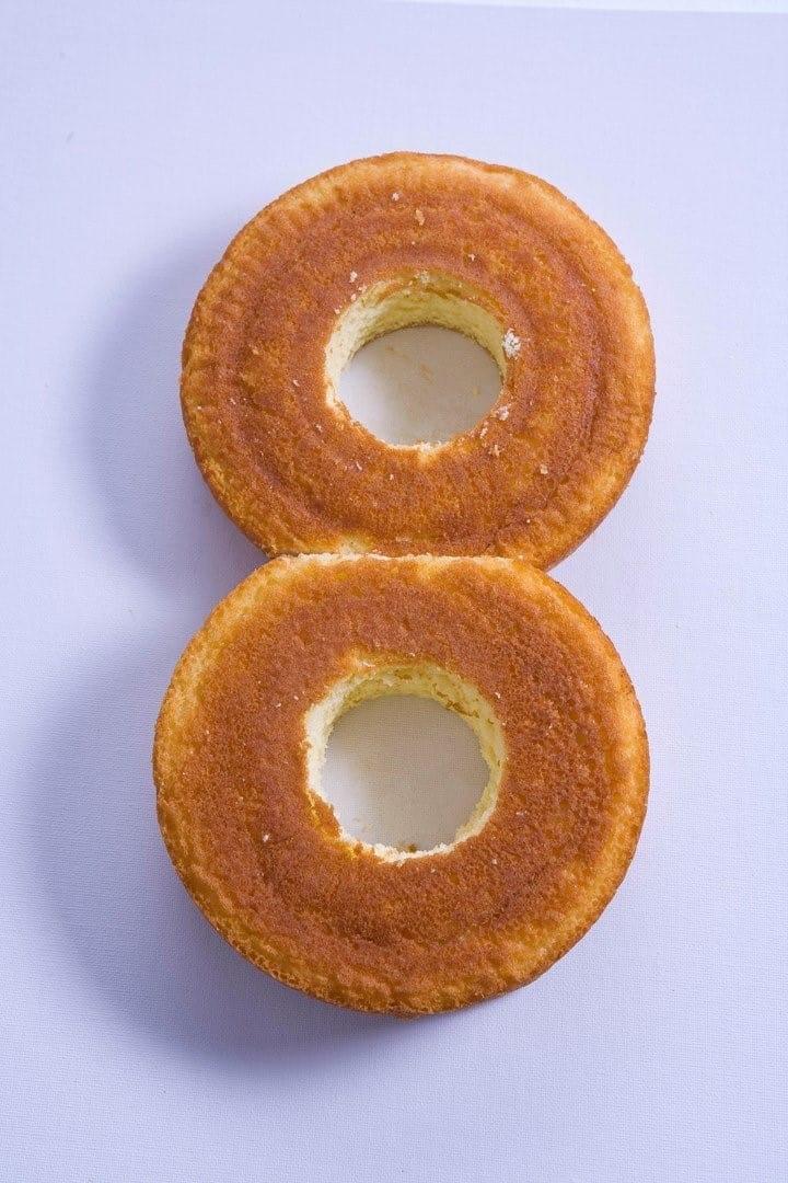Как сделать цифру 8 из бисквита