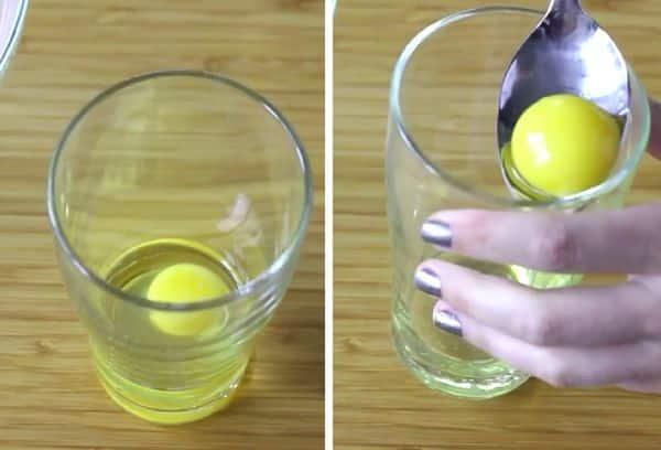 Отделение белка ложкой | Как отделить желток яйца от белка: более 15 способов и приспособлений