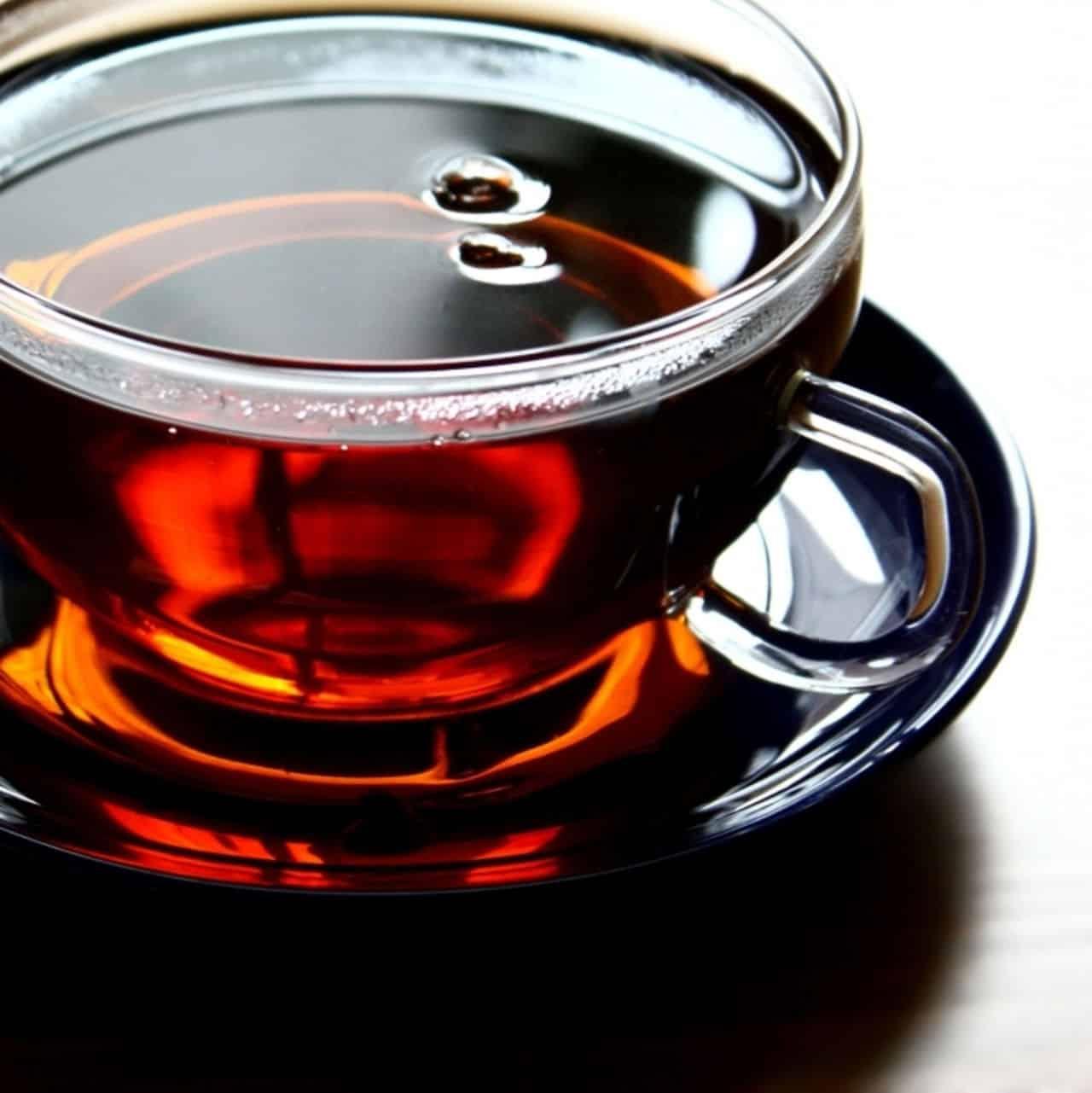 Крепкий черный чай | Чем разбавить тушь для ресниц в домашних условиях