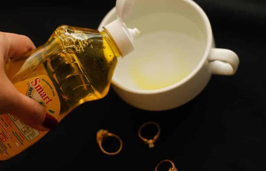 В чем замочить золото, чтобы почистить