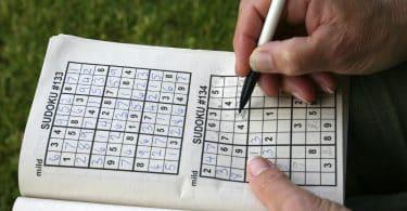 Как разгадывать судоку: правила и секреты, как играть, способы и стратегии решения